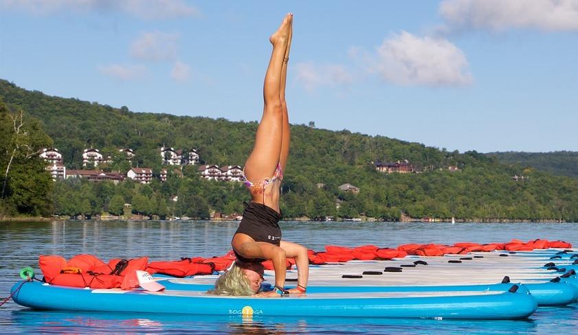 Yoga macht fit und ausgeglichen.